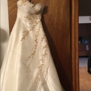 Dresses & Skirts - White gown with gold beads and sequins